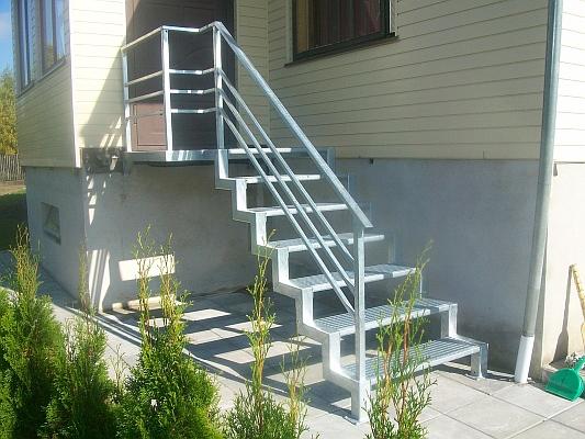 Lauko laiptai kaina