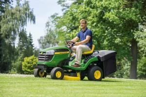Vejos traktoriai – tinginiams ar taupantiems?