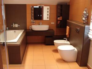 Kaip moderniai įsirengti vonią?