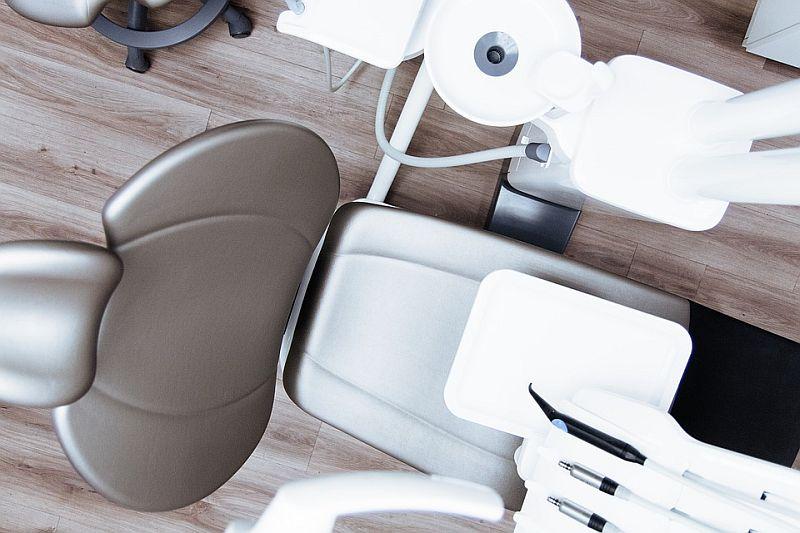 Odontologijos klinikos: pacientų lūkesčiai ir gydytojų kompetencija