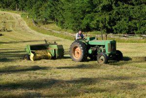 Žemės ūkio technika. Kaip sutaupyti perkant?