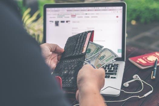 Jau nebėra taip paprasta gauti vartojimo paskolas internetu